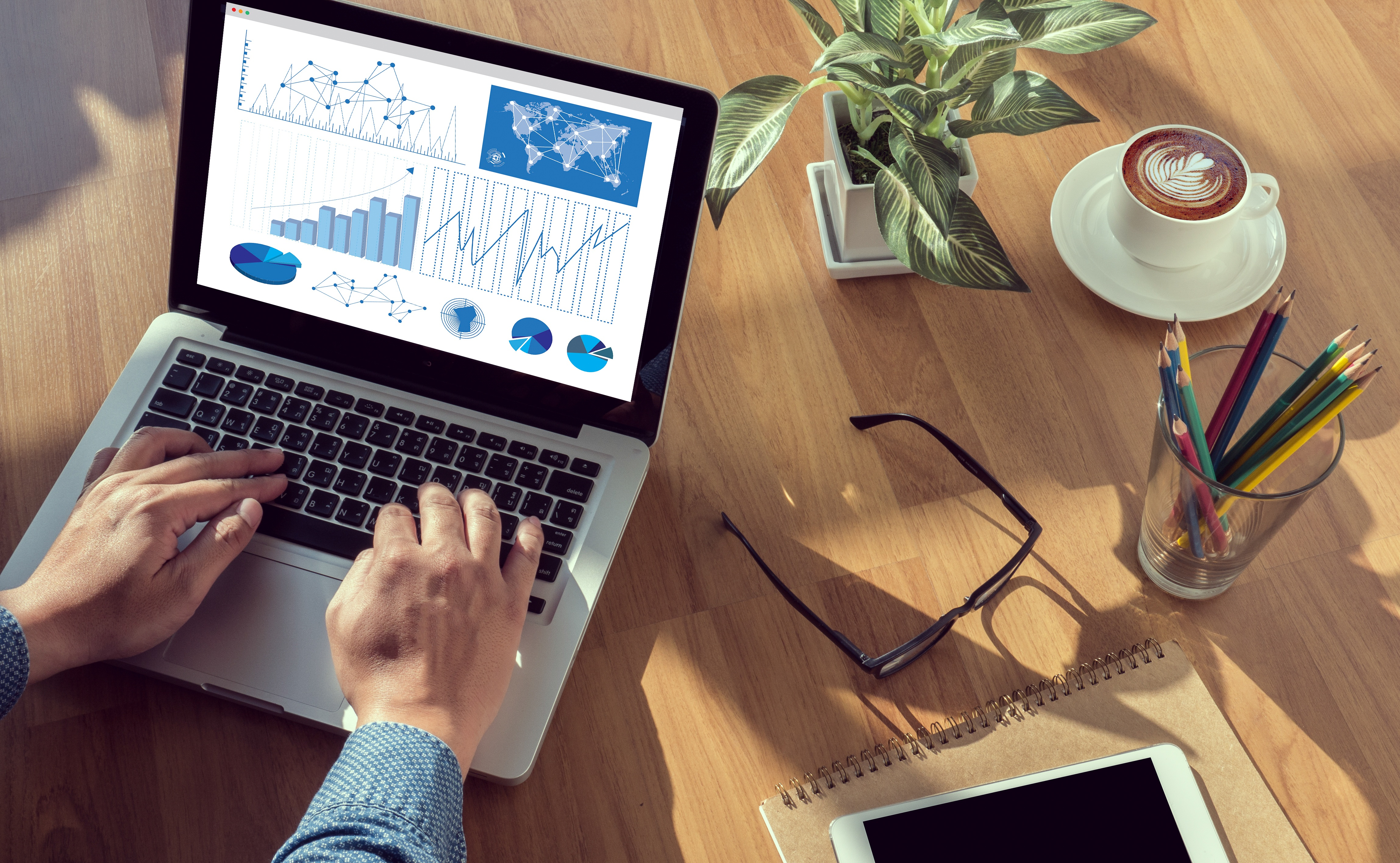 how to effectively monitor campaign performance cross-channel
