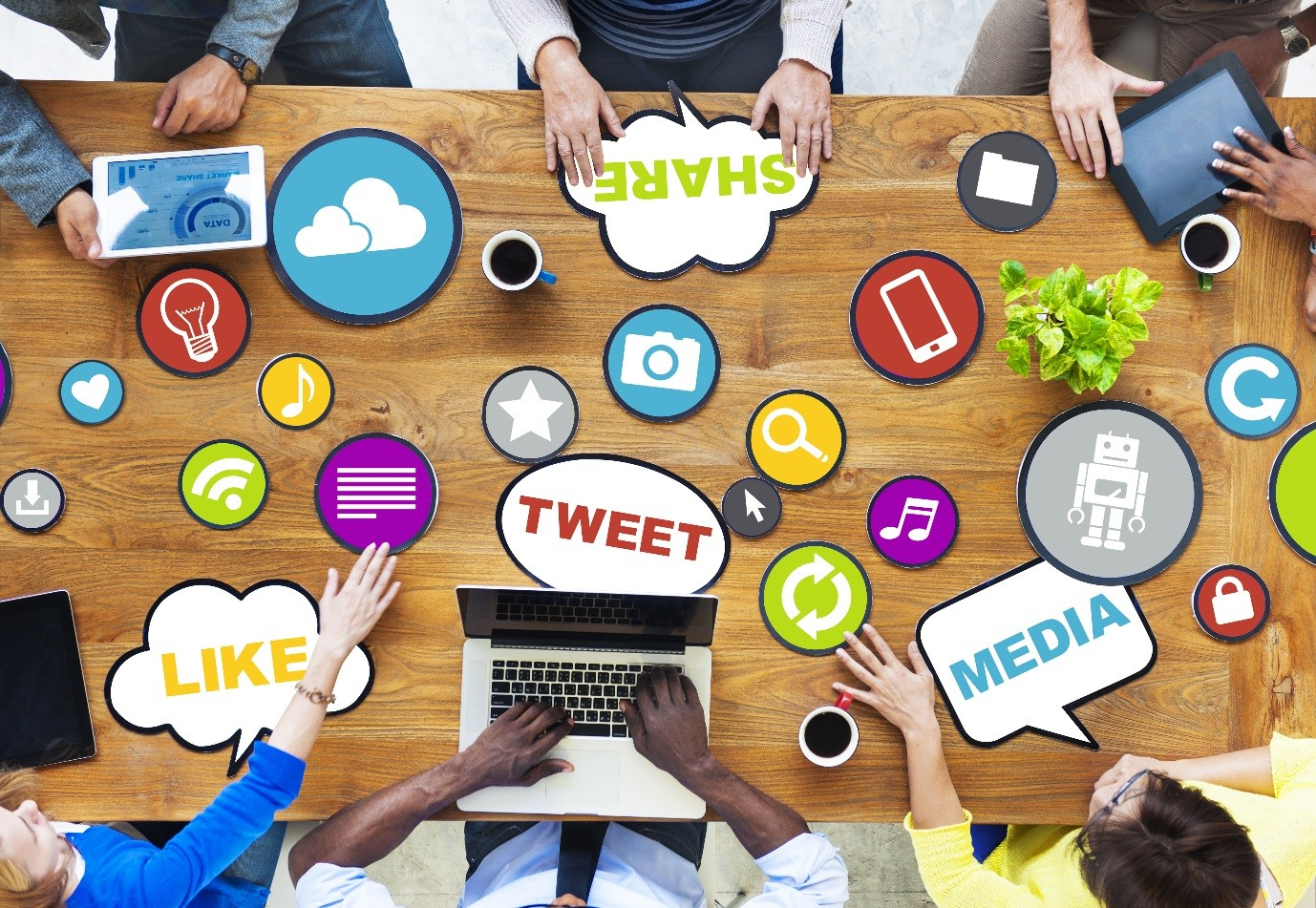 4 reasons why your company needs to use paid social media