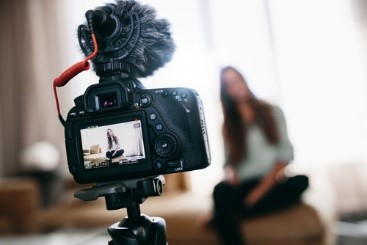 Five tips for retailers on working with bloggers & vloggers